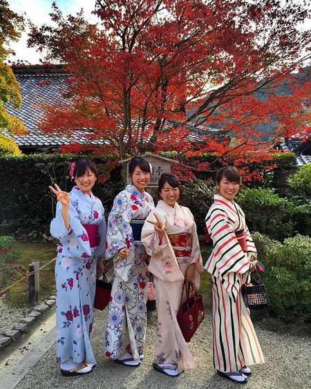 This is one of my favorite shots of Japan 😀Arigatou gozaimasu to these lovely , kimono clad young ladies who readily obliged me with a photo . Japan is beautiful , made more so by her people ❤️😘 Nature Naturelover Travel Kimono Love Beautiful Kimonos Ig_today Natureaddict Insta Instagram Igaddict Ig_week All_shots Rsa_nature Amazing Ig_myshot Jp_views Ig_daily Awesome Autumn Worldbestgram Insta_worldz Ig_week Holiday japan kyoto globalcapture sweet ladies
