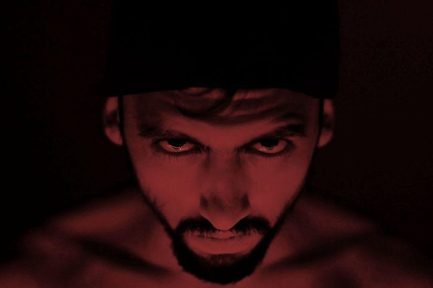 My inner evil. First Eyeem Photo Dark Darkness And Light Evil Eye Demons Red Color Hellyeah