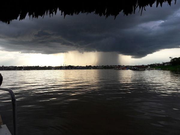 TormentaAmazonas Rioamazonas Amazonas-Peru Lluvión SeVieneLaLluvia