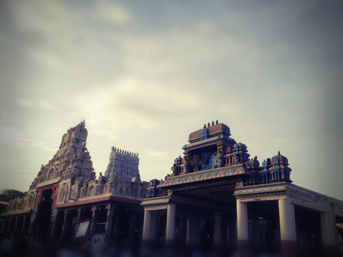 Hanging Out Taking Photos Check This Out Traveling IPhone On The Road Streetphotography Building Temple Tamilnadu