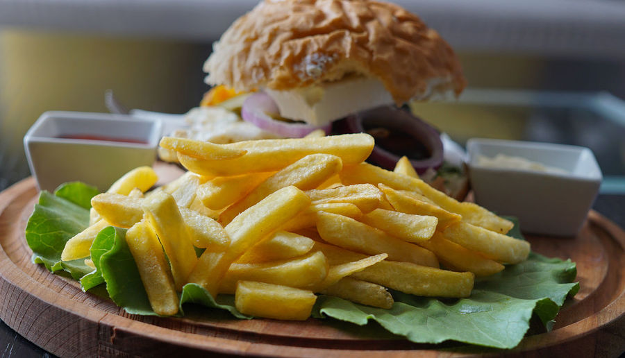 Dinner Fries Potato Sandwich Close-up Day Focus On Foreground Food Food And Drink French Fries Freshness Indoors  No People Ready-to-eat