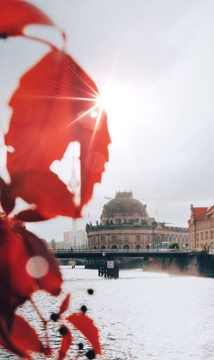 EyeEm Selects Travel Destinations Politics And Government Red Outdoors Architecture Politics Sunlight City Sky Day No People Building Exterior Cityscape Water Autumn Autumn Colors EyeEmBestPics Capture The Moment City Life Eyemphotography Sunlight Berliner Ansichten Berlin