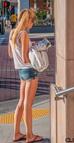 Streetphotography Pasadena  Legs Shorts