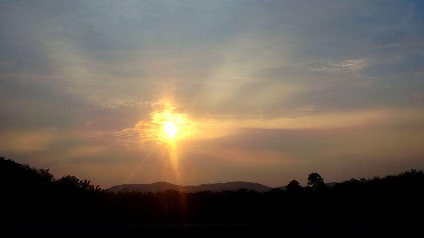 Sun Sunset Beautiful Nature Photography Orangehues Bluehues POTD Nofilter