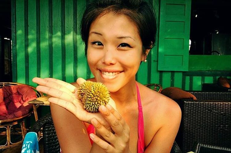 開心大發現 小小小榴槤!!😍 😍 😍 BB 榴槤已經有榴槤香㗎喇 👍 ☺ could be the Cutest thing i've ever seen? baby Durian ! 💚 Tropical Fruit Naturesgift
