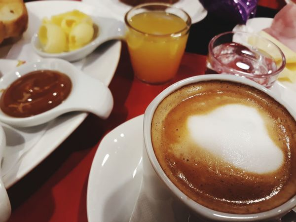 merienda Dulcedeleche Mermelada Pandecampo Drink Frothy Drink Drinking Glass Table Cafe Close-up Food And Drink Latte