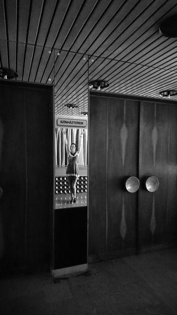 Made by Sony Xperia XZ Exploring Lights MMIK Megyei Művelődési és Ifjúsági Központ Mirror Old Bilding Theater Architecture Explore Indoors  Model Old Point Of View Used Useless