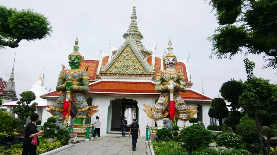 Watarun Wat Arun History Religion Respect Believein Temple Measure Sculpture People Day Travel Tree City Ourdoor Sky Cloud Sunlight Holiday Blackground Beautiful Bankkok Thailand