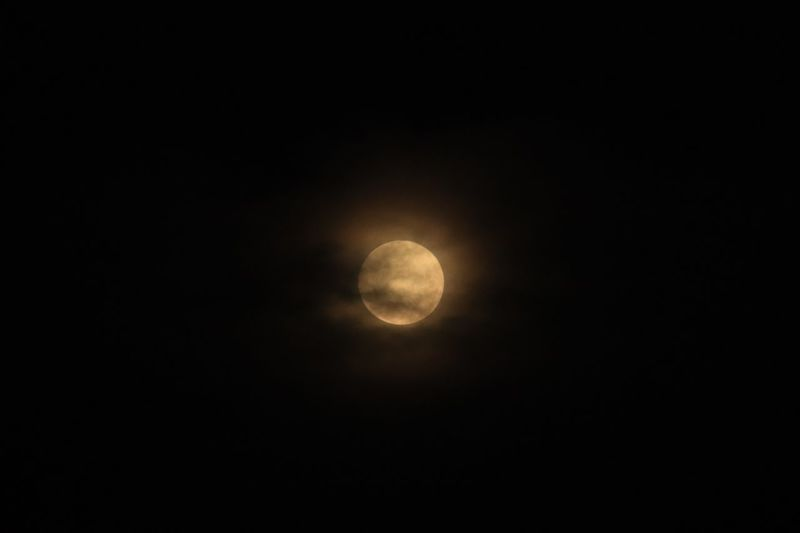 Moon glow 🌝 Night Space Moon Sky Astronomy Scenics - Nature Tranquility Tranquil Scene Planetary Moon Nature Full Moon EyeEmNewHere