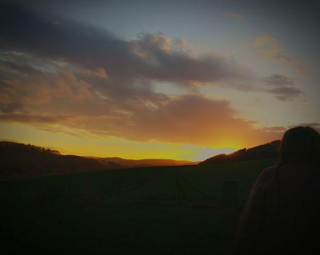Sunset #sun #clouds #skylovers #sky #nature #beautifulinnature #naturalbeauty #photography #landscape Taking Photos Relaxing Enjoying Life Igbest Iger Igers Iggermany Naturelovers Nature Photography Nature_perfection Nature EyeEm Best Shots Igsuper_shotz