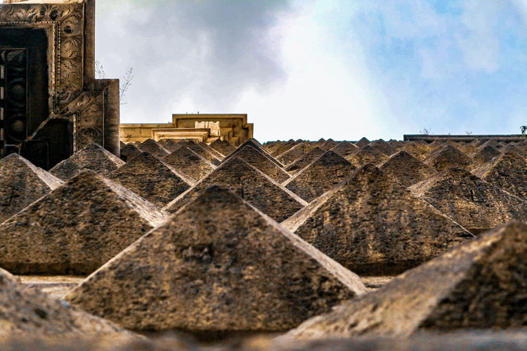 """Pyramids (2): Facade of the """"Gesù Nuovo"""" church in Naples, Italy Architecture Church Ancient Civilization Pyramid City Ancient Old Ruin History Sky Architecture Historic The Minimalist - 2019 EyeEm Awards The Architect - 2019 EyeEm Awards"""