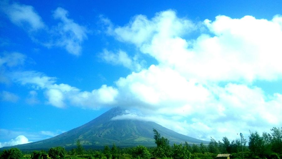 Beauty of Mayon Volcano Traveldiary TravelPhilippines BecoolBicol Nature_collection
