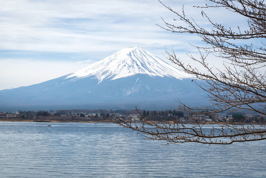 Mt Fuji in the early morning with reflection on the lake kawaguchiko ASIA Fuji Mountain Japan Japanese  Travel Full Frame Kawaguchiko Lake Lake View Morming Mountain