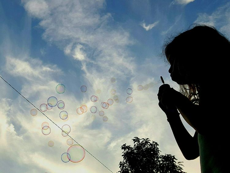 Kindheitserinnerungen Kindheit Childhood Garden Kids Kinder Kinderspiel Bubbles Soap Bubbles One Child Playing Alone Playing In The Garden Colorful Bubbles The Best Moments Summertime Summer Moments People And Places Live For The Story The Week On EyeEm