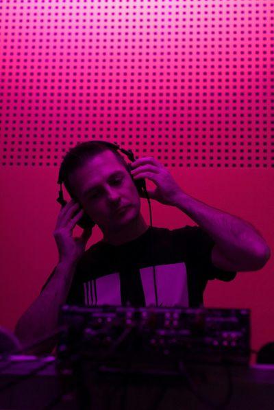 Emy Dj Music Mixingmusic Mixing Console EyeEm Best Shots EyeEm Best Edits EyeEm Music Lover Techno Music Dj Mixer DJing Housemusic Dj