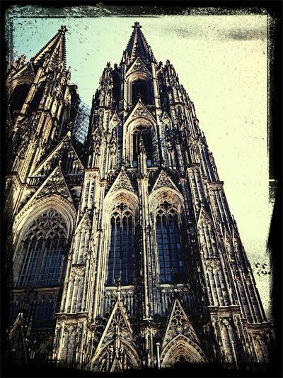 Enjoying The Sun Cologne Kölner Dom