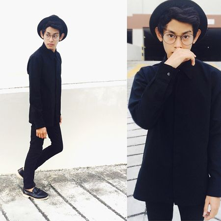 Black 👤 Malaysian Enjoying Life TopMan Hello World POTD Ootd Black And White Outfit OOTD Taking Photos Check This Out