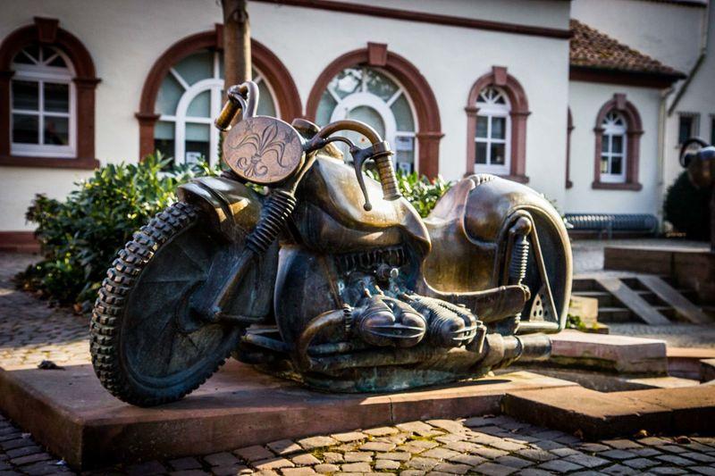 Brunnen Brunnenfigur Building Exterior Built Structure Herxheim Motorbike Rheinland-Pfalz  Sculpture