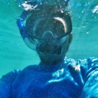 Ikutan challenge ______________________________________ Selalu eksis meski dalem aer, pumpung ada underwater Cam gratis... Hahahahaha ______________________________________ Sonyxperiaid JagoanSelfie Proselfie TravelHappyMoments ==================================