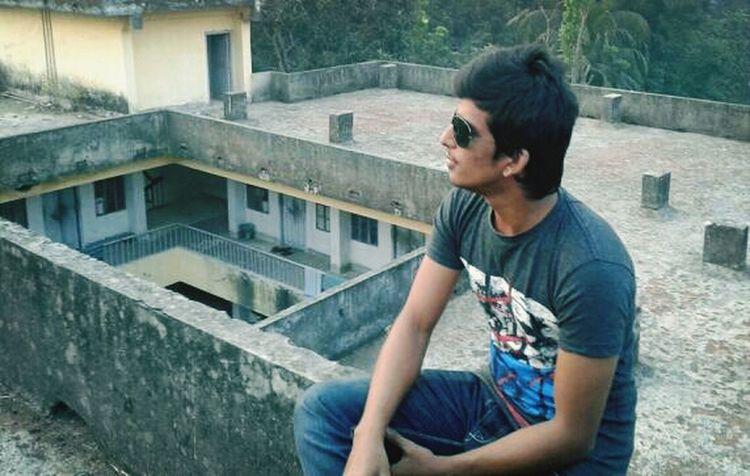 this photo pik in my hostel.. Enjoying The View That's Me Enjoying Life People Watching