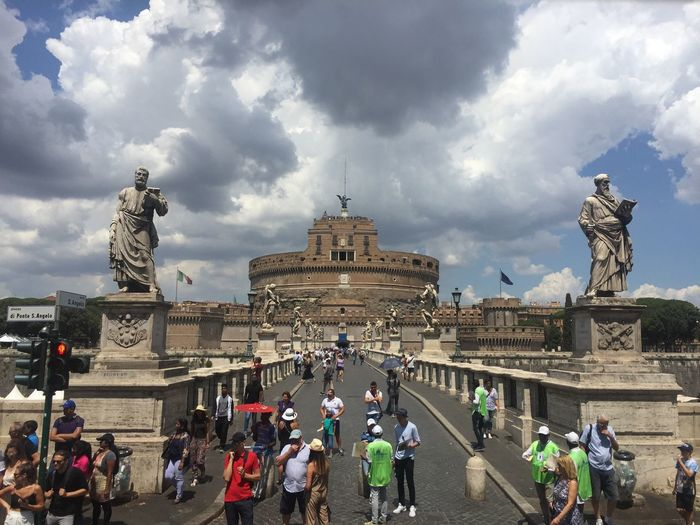 EternalCity VaticanCity Rome Roma History Architecture Large Group Of People Travel Destinations Tourism Travel Real People Italia Italy Castel Sant'Angelo NoEditNoFilter Historic