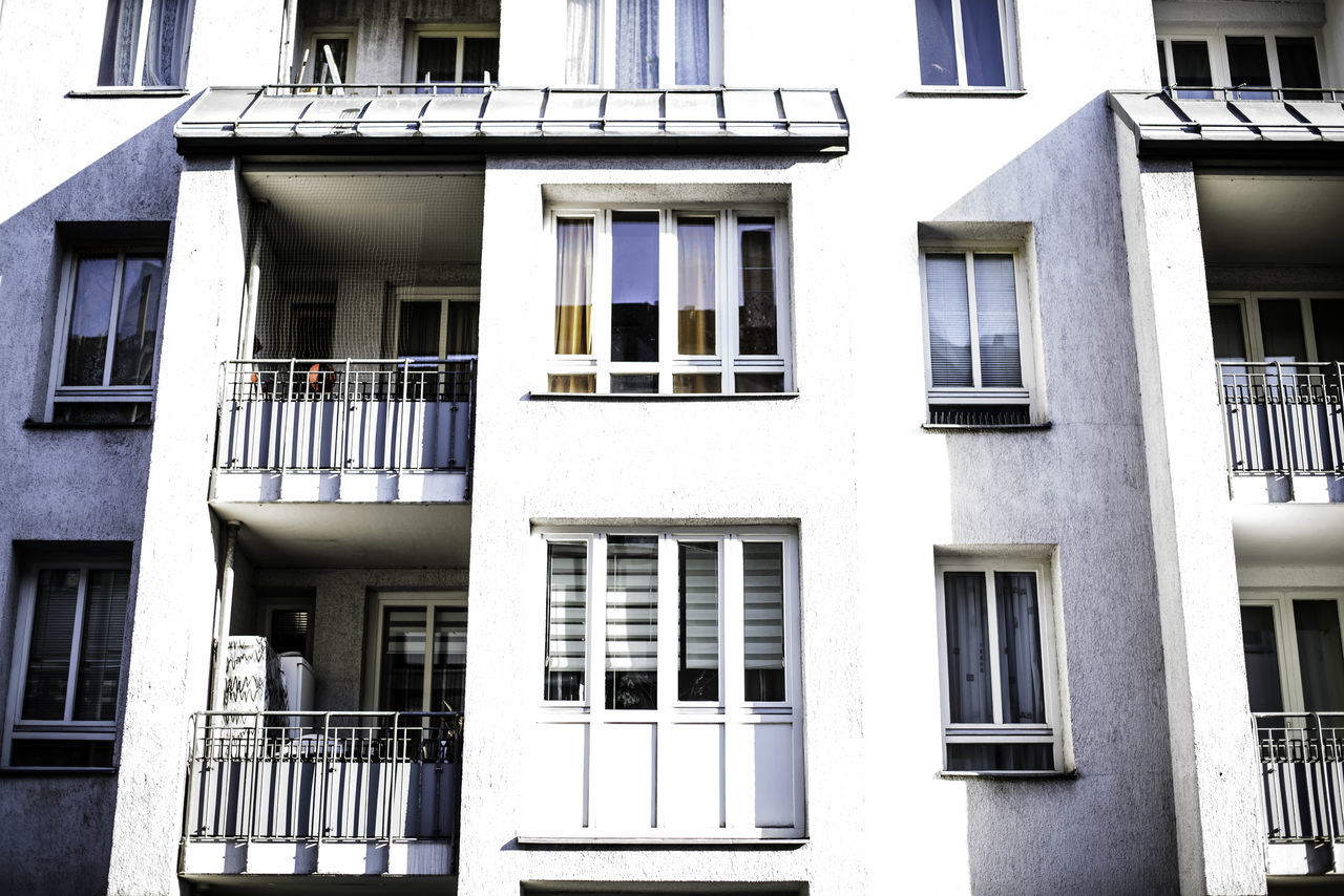window, architecture, building exterior, balcony, built structure, house, residential building, no people, outdoors, day, city
