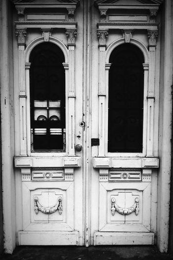 Ходила по проспекту Перемоги, побачила чудовi дверцята. First Eyeem Photo