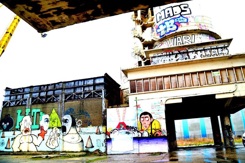 Nikon D3300 Graffiti Deserted Factory No People Beginnerphotographer Nikon Picmonkey Belgium Gent Ghent Eye For Photography Exposure Inspired Colorfull