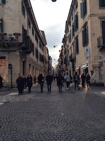 On The Way Verona Beautiful City Italian Place Italy Lover Afternoon Walks Cloudy Day Busy Way People Traffic Line Of People Steppers Italians Way Enjoy The Day Go Somewhere Different Every Day Enjoying My Self Relaxing Day