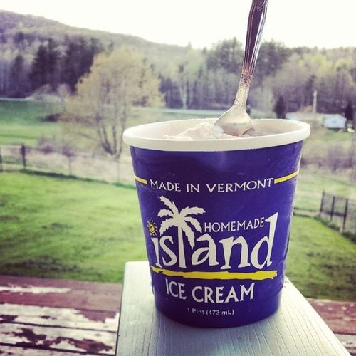 A perfectly peppermint end to a perfectly wonderful day. Sitting here on the porch enjoying the smell of freshly cut grass and listening to the chirping birds all while the big dawg and other human hang out next to me. Perfect. Underhillvt Islandicecream Madeinvermont Homemade fromwhereisit itsthelittlethings