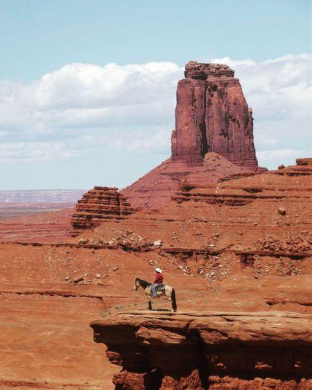 Monument Valley AriZona♡ Utah WestCoast Roadtrip Wildwest Wildlife & Nature Nature Photography Landscape_photography Cowboy Followme
