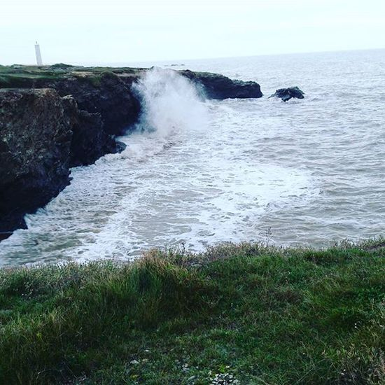 La force!!! Sea Mer France Vendée Saintgillescroixdevie Ocean Vagues Beach Playa Beautiful