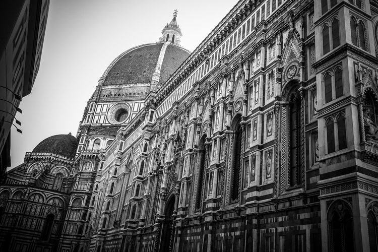 Low Angle View Place Of Worship Architecture Building Exterior Built Structure Tuscany Duomo Santa Maria Del Fiore Tuscanygram Architecture Low Angle View Florence Italy