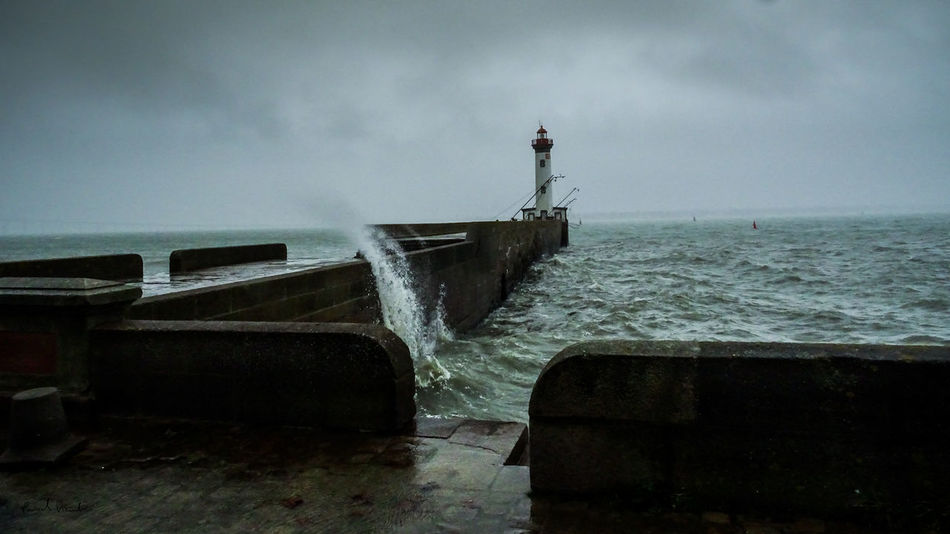 EyeEm Best Shots EyeEm Best Shots - Landscape EyeEm Gallery EyeEmNewHere Lighthouse Beauty In Nature Day Eye4photography  Force Horizon Over Water Nature No People Outdoors Phare Power In Nature Saint Nazaire Scenics Sky Tempête Water Wave