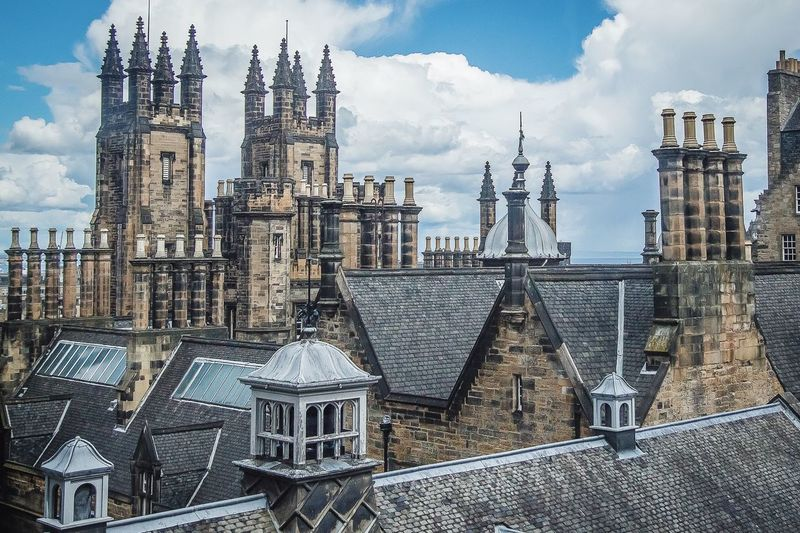 Rooftops Architecture Travel Photography Travel Scotland Edinburgh Rooftop Scenery Rooftopphotography Buildings & Sky Buildingstyles Historical Buildings Historical Center Edinburghcity Scotlandsbeauty Oldtown Oldcity Old Buildings