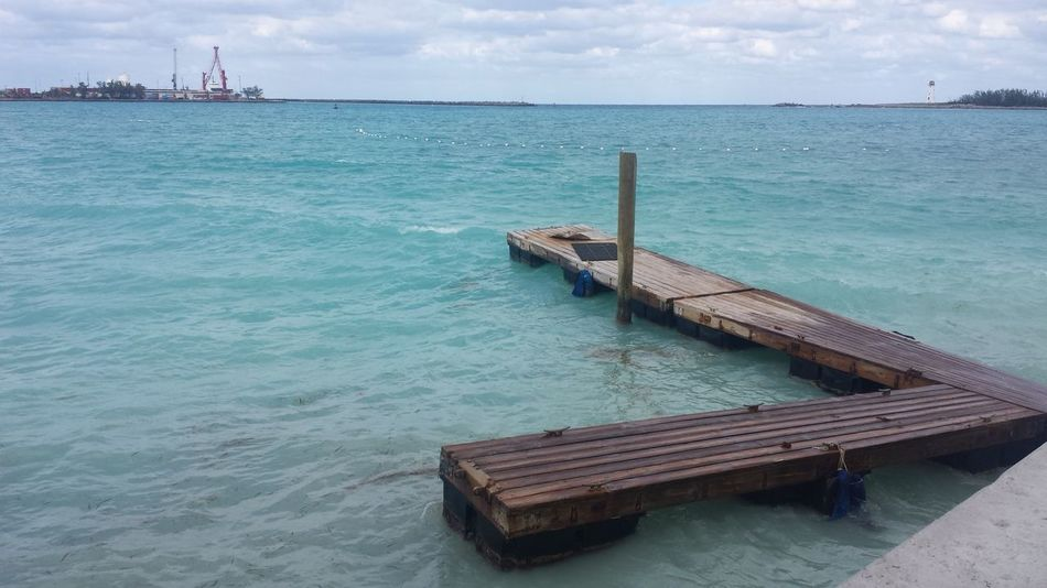 Landscapes With WhiteWall Escapism Floating On Water Dock Docking Place Docking Bay Dock In The Water Docks Dock Of The Bay Nassau, Bahamas Pier Seascape Seaside Tranquil Scene Untold Stories Vacations The Purist (no Edit, No Filter) From My Point Of View