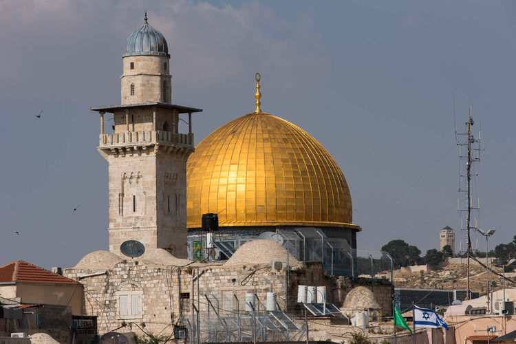 The Dome of the Rock, Al Aqsa mosque is the third holiest place for Islam where Muhammad ascent to heaven Al Aqsa Dome Of The Rock Eastern Jerusalem Islam Architecture Jerusalem Israel Muhammad Ascent Architecture Building Building Exterior Built Structure City Dome Dome Of The Mosque Crescent Dome Of The Rock Jerusalem Golden Dome Holy Place Islam Israel Jerusalem Jerusalem❤ Religion Sky Spirituality Travel Destinations Westbank