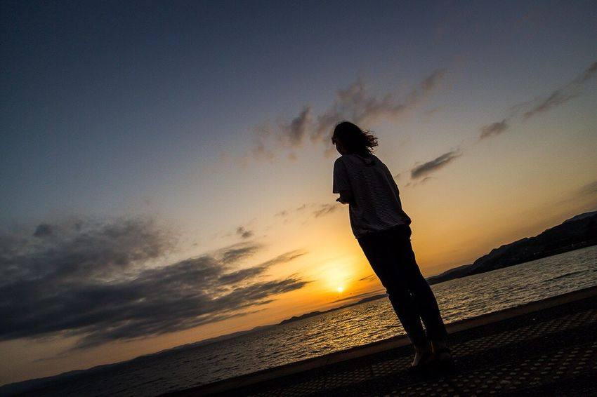 僕の中で『夕陽は長崎』→定番www Silhouette Sunset Silhouettes Sunset Silhouettes Girl June 2016 Nagasaki Nagasaki JAPAN