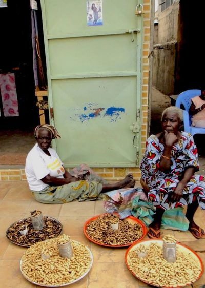 Hello World People Cacahuete. Market Congo Travel Africa