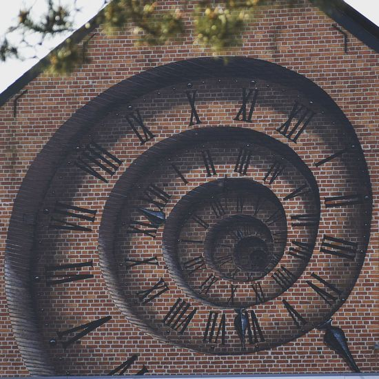 Time hole Timeout Timeline Time2run Prilaga Timesup Time Clock Clock Face Horloge Façade Close-up Architecture Circle Spiral Staircase Spiral