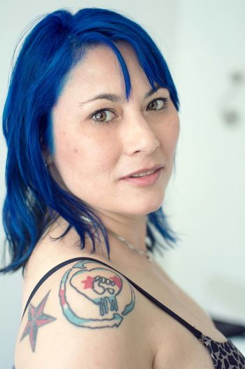 """The lovely Kimberly is her coming up set """"Azure"""" live on SG in just over a month! SuicideGirls Alternativemodel Gorgeous Girls With Tattoos Sgaustralia Blue Hair Portrait Sghopeful"""