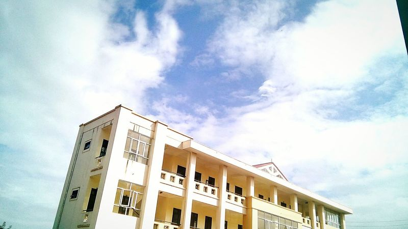 Got a glimpse of the sky today afterschool, had to take this pic right away! Today's Sky Bluesky 🌈🌈🌈 Rooftop Scenery Afterschool  Taken With Normal Phone