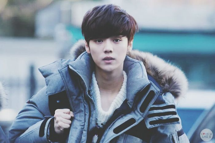 luhannie looks manly ._. Luhan EXO Kpop Cute cr: owner