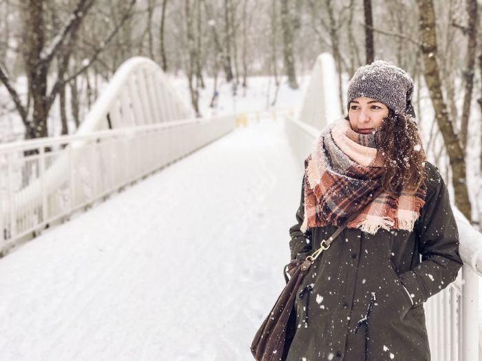 Winter Snow Cold Temperature Snowing Warm Clothing One Person Women Winter Woman Wintertime IPhone 7 Plus The Week Of Eyeem The Week On Eyem Woman Portrait Portrait Photography Girl Lifestyles Women Of EyeEm Portrait Of A Woman Portraits Young Women Portrait Snow ❄ Winter Wonderland EyeEm Best Shots The Portraitist - 2017 EyeEm Awards