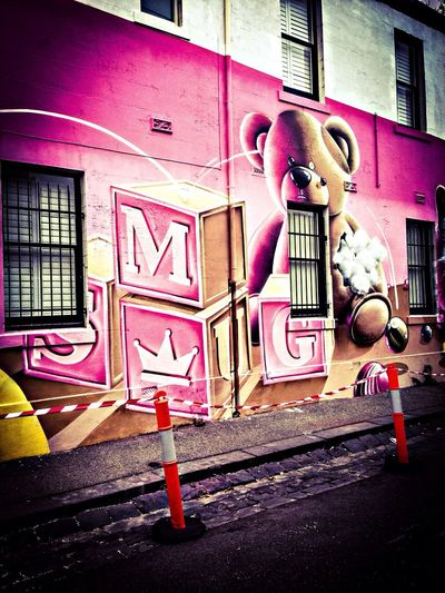 Melbourne Graffiti mural by Smug