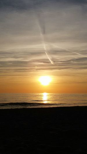 Sole Tramonto Sun Mare Beach Tramonto BellissimoTramonto... Colors Color Explosion coLors Of Nature