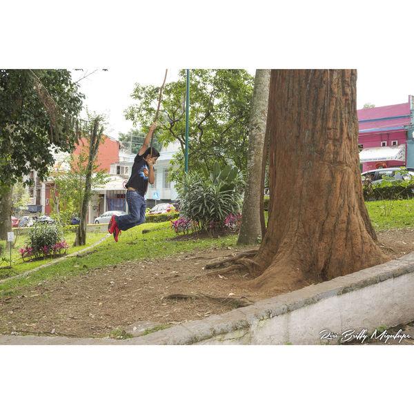 Play Niño Boy Children Child Tree Day Jugar Jugando Calle Streed Town Xalapa Xalapa De Enríquez Xalapa Mexico Xalapa🌸 Xalapasco XalapaEnriquez Xalapa De Enriquez Ciudad De Las Flores Xalapasalsa Xalapabonito Xalapa Por Sus Donaciones ❄️❤️