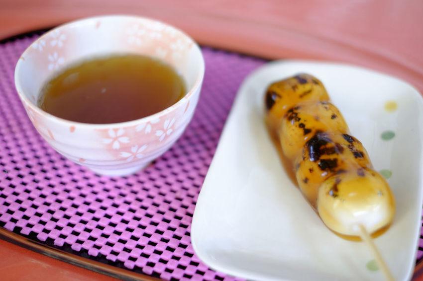 焼き団子 Food Food And Drink Food Porn Foodporn Fujifilm Fujifilm X-E2 Fujifilm_xseries Japan Japan Photography Japanese Food No People Sweets Tea - Hot Drink だんご 和菓子 焼き団子 香取神宮