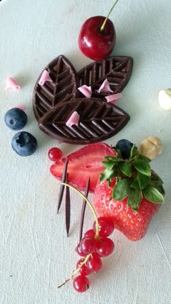 Chokolate Summer Sold Reklam Red Fruit Table High Angle View Close-up Sweet Food Food And Drink