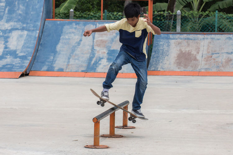 Slidding on his rail Sport In The City HariSukanNegara Penang Georgetown Sports Photography Skateboarding Skatepark Canon700D Tamron70_300mm